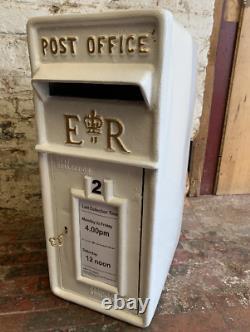 ER Royal Mail Post Office Pillar Box White Cast Iron Wall Mount Letter Slot Keys