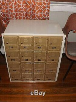 16 Porte Intérieure De Verrouillage Commercial Cluster Support Mural Avec Boîte Aux Lettres Clés