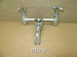 Delta Commercial Two Handle 8 Wall Mount Service Sink Robinet Dans Chrome 28t9-ac