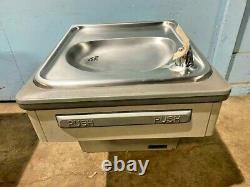 Elkay Ebfsa8-1d Hd Flacon D'eau Potable À Paroi Réfrigérée Commerciale