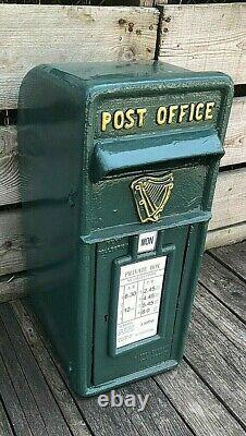 Vert Boîte Postale Irlandaise Avec Harpe Irlandaise Harpe Postale Et Télégraphique